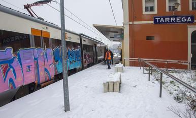El tren de la línia de Manresa que va parar ahir a Tàrrega al migdia procedent de l'Hospitalet.