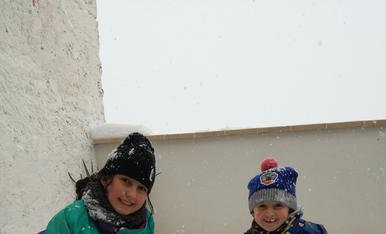 Primer ninot de nerea e iker de la nevada de dissabte