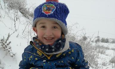 Al iker se li van firmar dos boletes de neu als cordills dels pantalons!