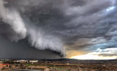 Tormenta de piedra i viento llano de Lleida (en actualización)