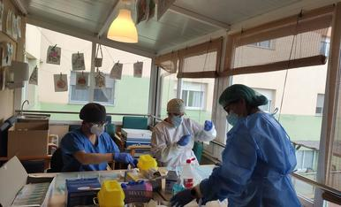 Infermeres van anar ahir a administrar la vacuna a la residència Ribera del Sió d'Agramunt.