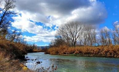 El riu Segre al seu pas per La Granja d'Escarp