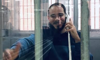 Botran de la CUP visita Pablo Hasél i publica una foto seua dins de la presó