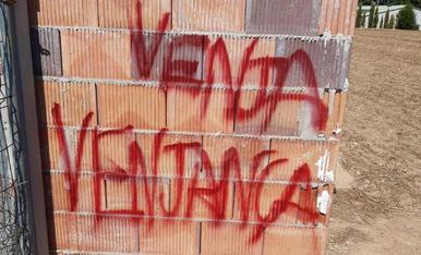 Denuncien amenaces i danys de grups animalistes en 3 granges de les Garrigues
