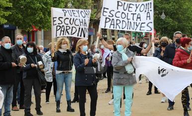 Cassolada al barri de Pardinyes de Lleida per reclamar la residència