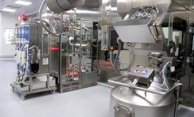 Imatge general del laboratori de Reig Jofre on es fabricarà la vacuna contra la covid-19 de Janssen.