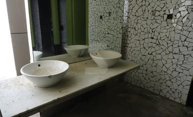 El Chalet modernista de los Camps Elisis, desvalijado y deteriorado