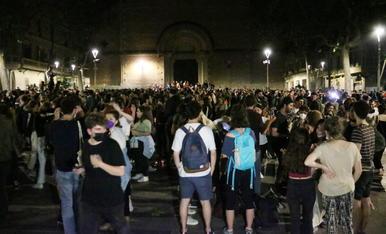Així estaven carrers i places de Barcelona després del toc de queda