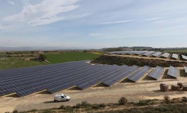 Imatge d'arxiu de panells solars en el Segrià.