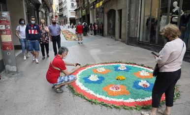 © El Corpus de nou embelleix carrers