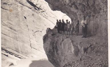 Excursió des de les Mines de Corçà al congost de Montrebei. jo sóc el del jersei a ratlles