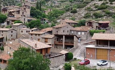 Vista del poble de Cabó, a l'Alt Urgell.