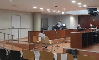L'acusat durant la celebració del judici ahir a l'Audiència de Lleida.