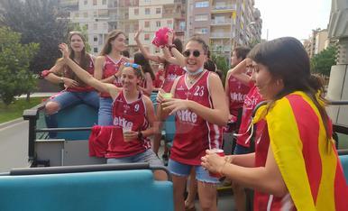 Desfile del CB Lleida por su histórico ascenso