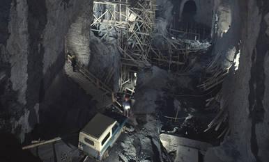 Imatges del procés de construcció de les centrals de Tavascan, enclavades mig quilòmetre dins la roca de la muntanya.