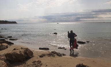 Preparat per entrar a la mar i gaudir del aigua tristalina