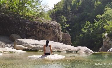 De relax al mig de la natura després de fer senderisme al Monte Perdido (Osca)