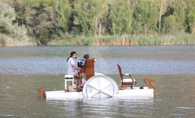 Recital de piano flotante en Sant Llorenç de Montgai