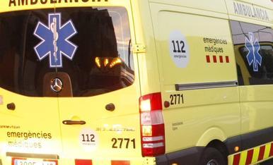 Una ambulancia del SEM en una imatge d'arxiu.
