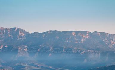 Despertar en un mar de boira des del balconet de Santa Linya