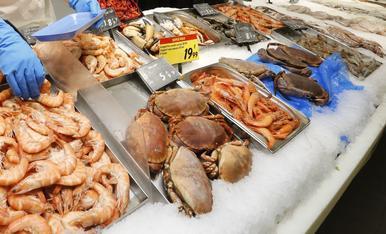 Imatge d'arxiu de la peixateria d'un supermercat.