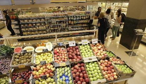 Molta de la fruita ecològica a la venda al nou supermercat és de Lleida.