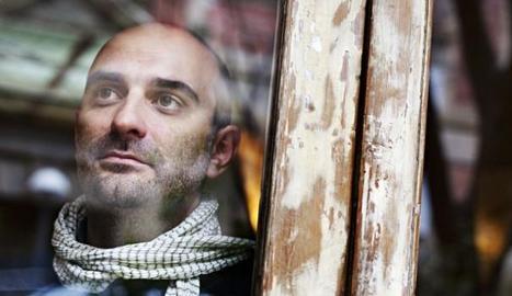Imatge promocional del cantautor Joan Miquel Oliver, que serà aquest octubre a la cafeteria Slàvia.