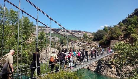 Un dels ponts d'accés al congost de Mont-rebei el cap de setmana passat.