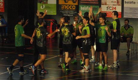 Els jugadors del Balàfia Vòlei, durant un partit d'aquesta pretemporada.