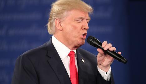 Trump, durant el segon debat presidencial a Saint Louis.