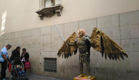 Estàtues humanes en l'Eix Comercial de Lleida