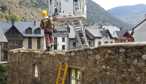 Cau part d'una casa a Esterri d'Àneu sense provocar ferits