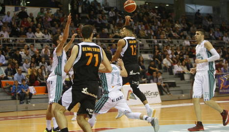Juampi Sutina va donar una de les assistències de la jornada, va passar la pilota d'esquena a Leo Demétrio perquè anotés.