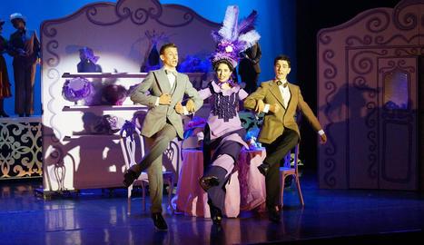 Versió en català de 'Hello, Dolly!' amb Manresa Teatre Musical.