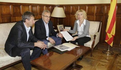 Puiggròs i Mir van entregar el manifest dels alcaldes a Manso.