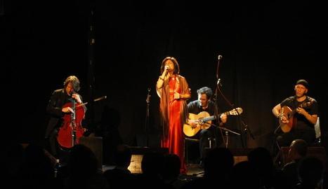 La formació germanoportuguesa Deutsche Fado Quartet, ahir a la nit al Cafè del Teatre de Lleida.