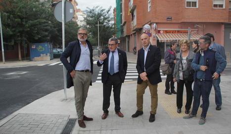 Ros, ahir en la seua visita a les obres del Camí de Corbins, a Pardinyes.