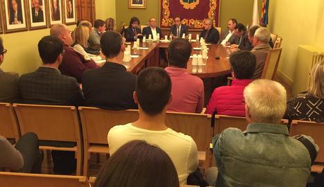 El conseller es va reunir amb els representants locals ahir a la nit a les Borges Blanques.