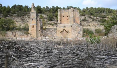 El monestir de Santa Maria de Vallsanta de Guimerà protagonitza avui la primera entrega.