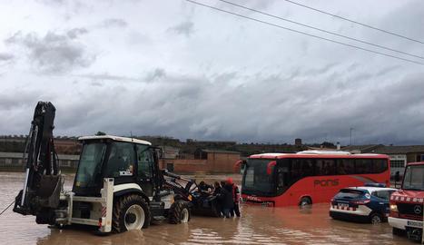 L'autobús escolar d'Arbeca va haver de ser remolcat