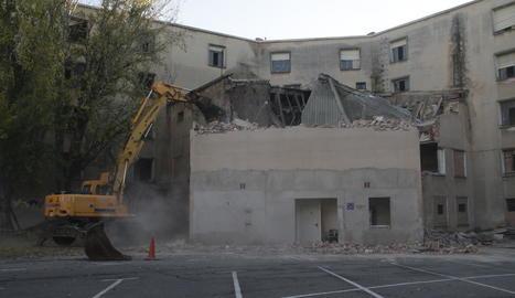 Comença la demolició de Magisteri, que estarà acabada al febrer