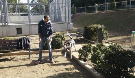 La nova zona per a gossos al Parc de Santa Cecília