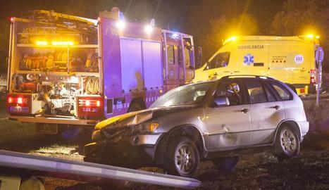Un dels dos vehicles implicats en la col·lisió frontal d'ahir a Preixens.