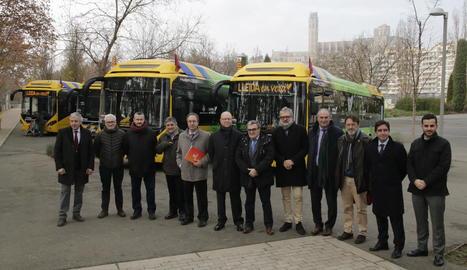 Arriben els primers autobusos híbrids a Lleida