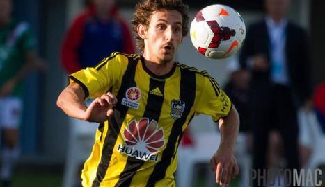 Albert Riera, quan jugava al Wellington, abans de tornar a l'Auckland City, el seu actual equip.
