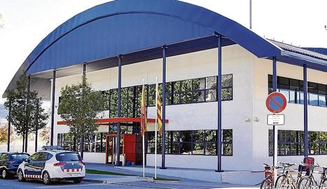 La comissaria dels Mossos d'Esquadra a La Seu d'Urgell, on es troba detingut Fernando Blanco, el pare de Nadia.