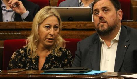 Neus Munté i Oriol Junqueras, en un ple del Parlament.