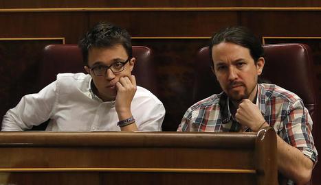 Íñigo Errejón i Pablo Iglesias, en un ple del Congrés dels Diputats.