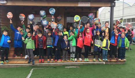Prop de 80 nens en el Padelmenors.cat d'Alcarràs