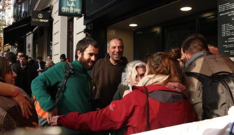 Els anticapitalistes detinguts en el moment que surten de l'Audiència Nacional.